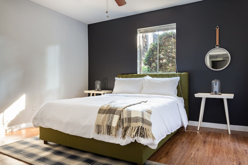 Sonder — The Galleria: 2019 Room Prices $90, Deals & Reviews
