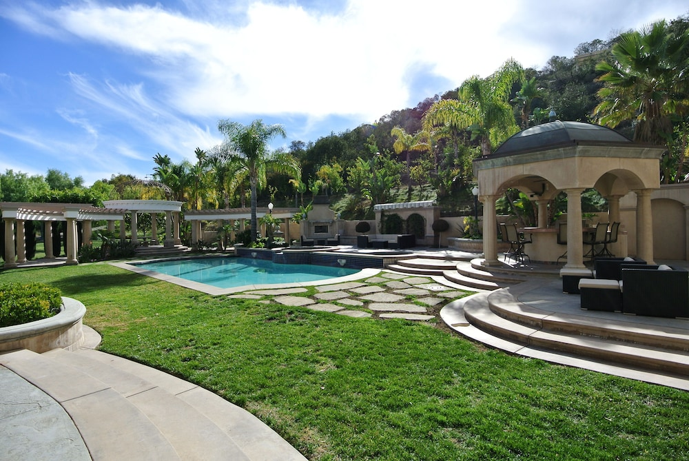 Pool, Majestic Celebrity Estate