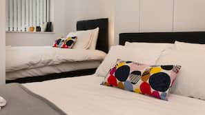 Premium bedding, individually furnished, iron/ironing board, Internet