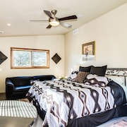 Cave Creek Convenience with Private Entrance