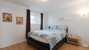 1 bedroom, iron/ironing board, Internet, linens