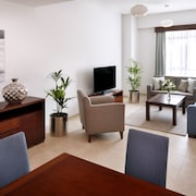 Movenpick Apartments Bur Dubai