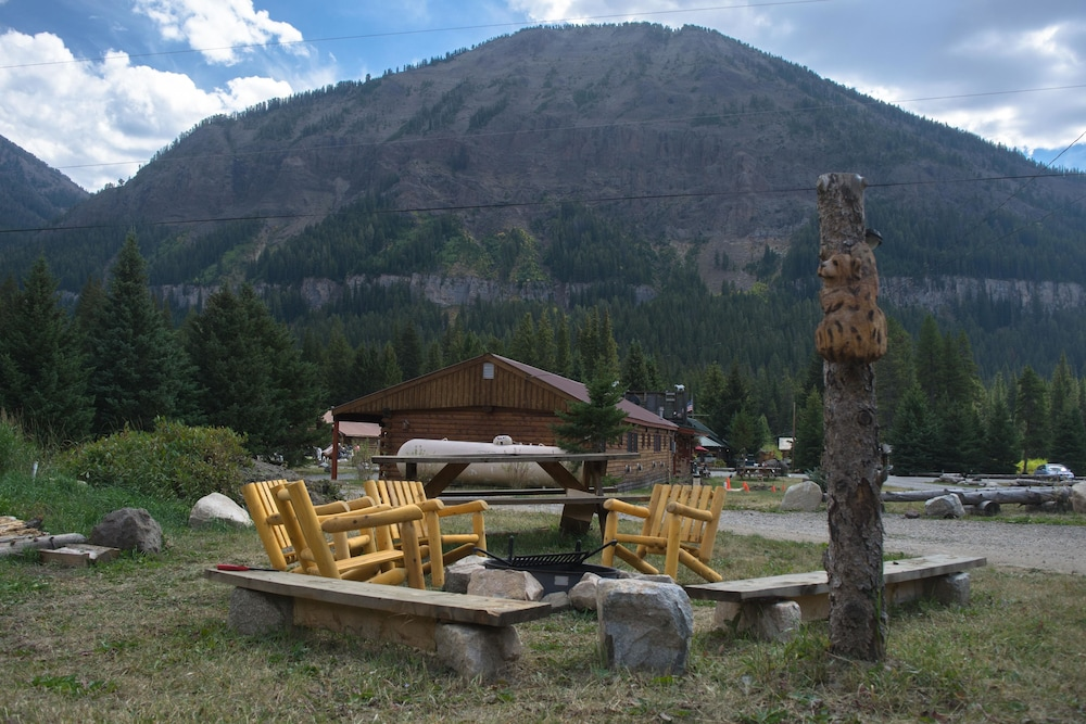 Mountain View, Silver Gate Lodging