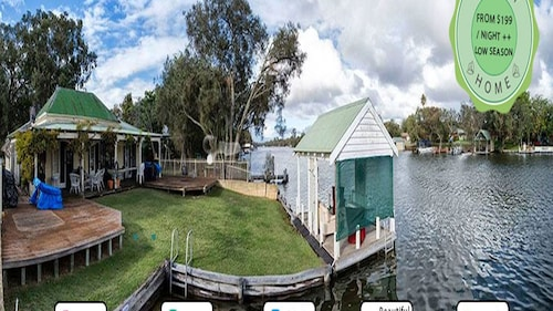 Mandurah Riverfront Holiday Rental - Own Mooring