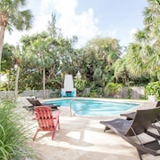 Luxurious & FUN Beach Home-steps TO Beach/heated Pool/great Amenities/ Near ALL