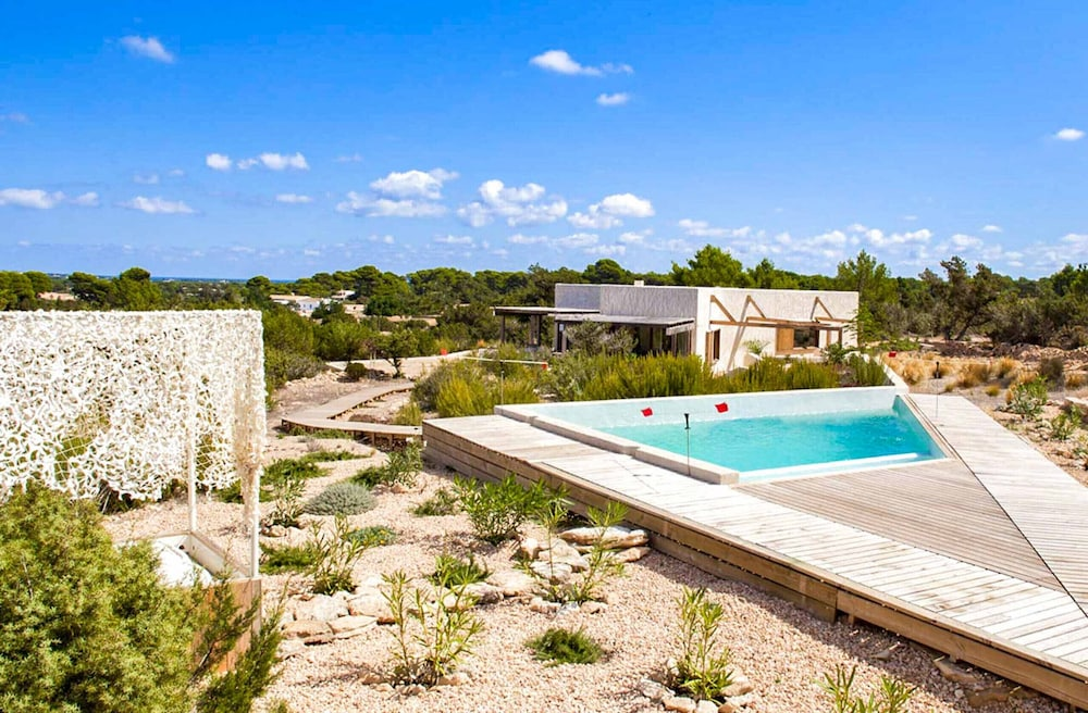 Featured Image, Casa Formentera