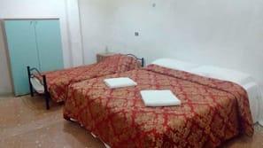 高档床上用品、办公桌、免费 WiFi、床单