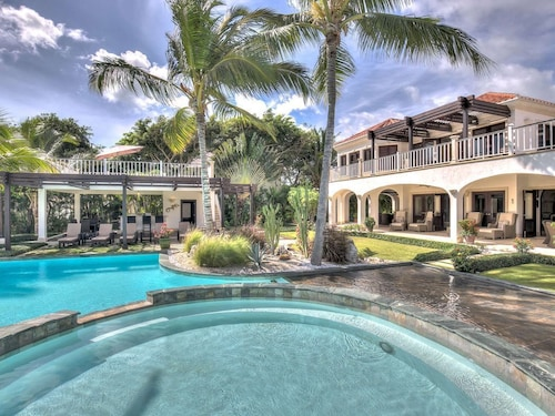 Arrecife Luxury Estate
