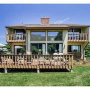 Summer Ocean Getaway! Massive Deck - Walk to Beach & Restaurants - Sleeps 12