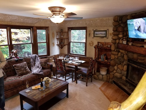 Coyote Cottage on 78 Acres 3br,2bath, Lake Placid