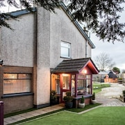Lisburn Self Catering, Sleeps 6, Sauna, Gym, BBQ Hut