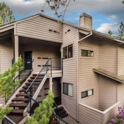 Executive Suite in Mount Bachelor Village - Great for a Couple