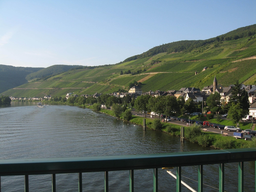 Balcony, Holiday apartment with a beautiful view of the Moselle