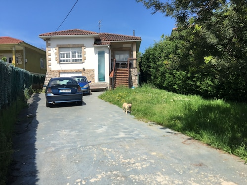Private House House 9 Pers. Unbeatable Location. Beaches, City Center etc
