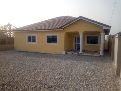 3 bedroom Executive House Ensuite