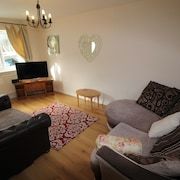 Tongwynlais Cottage by Cardiff Holiday Homes