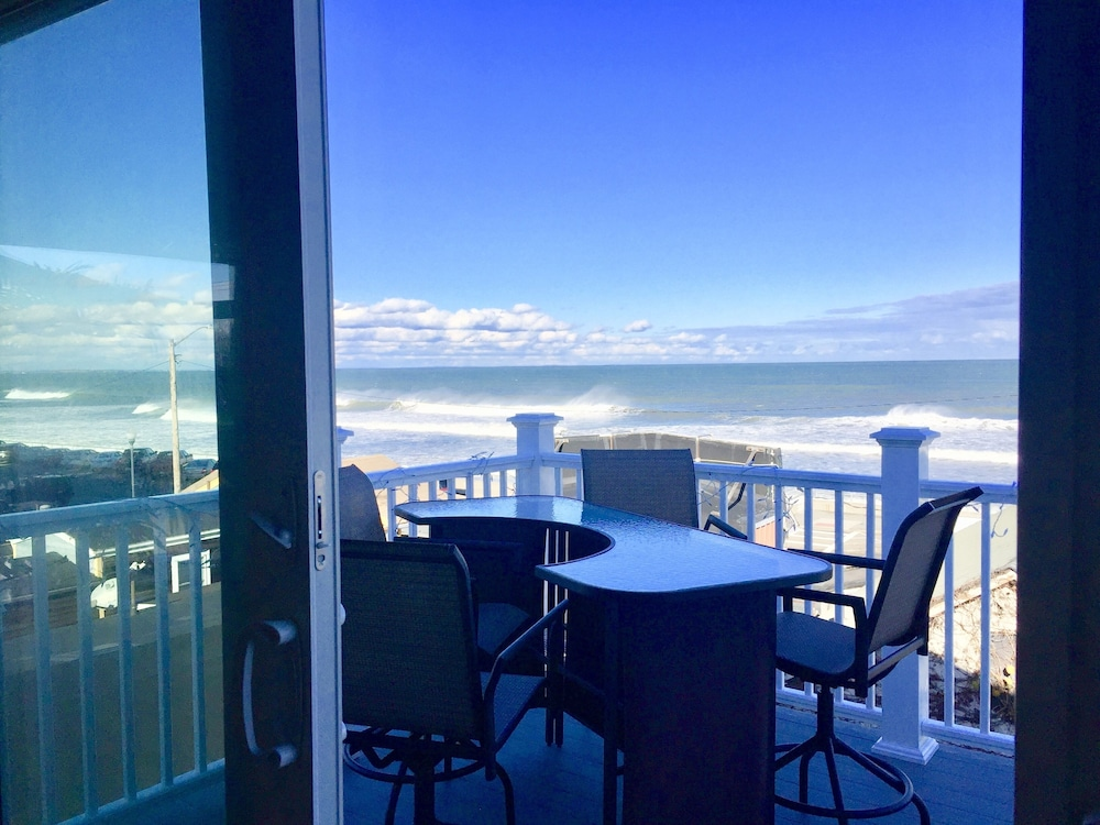 Terrace/Patio, Mermaid of Hull ~ Looking at Nantasket Beach ~ Events Allowed