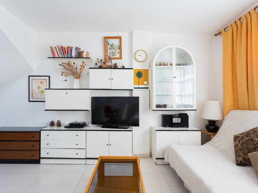 Lovely 2 Bedrooms Apartment With Solarium in Playa de Las