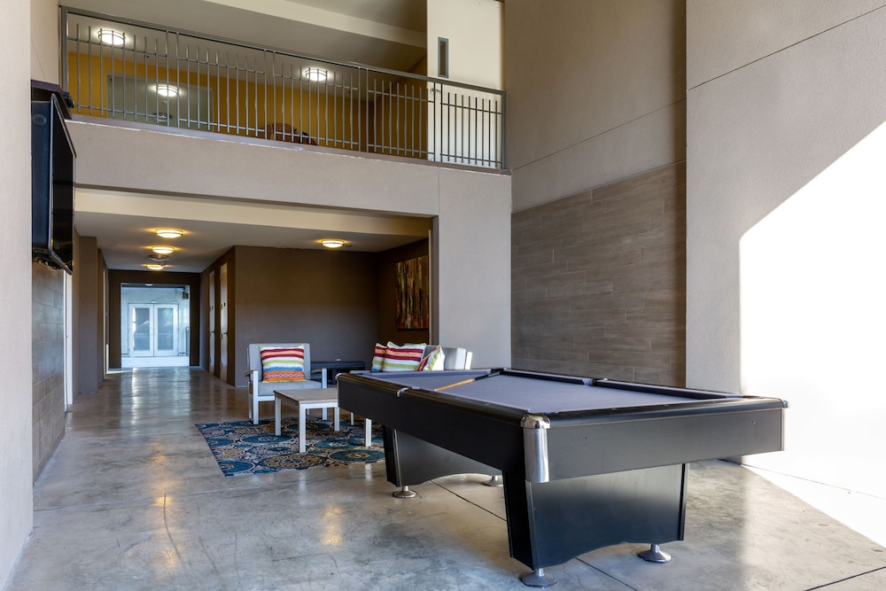 Billiards, Stay Alfred at Parker House