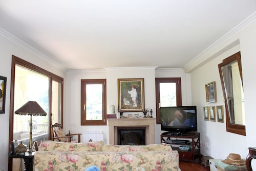 Villa With 4 Bedrooms in Asturias, With Wonderful Mountain View, Private Pool and Furnished Terrace - 7 km From the Beach