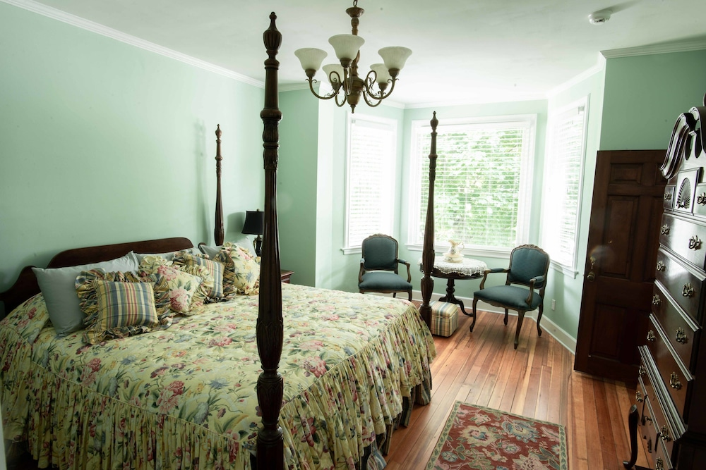 Valparaiso Inn Bed Breakfast In Valparaiso Hotel Rates Reviews