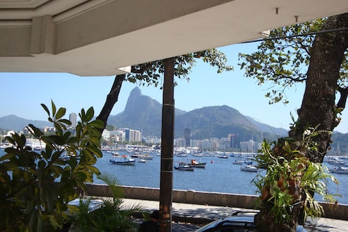 Beautiful and Comfortable Apartment in the Safest and Most Stylish Neighborhood of Rio