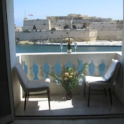 Stunning Seaviews of Historic Grand Harbour