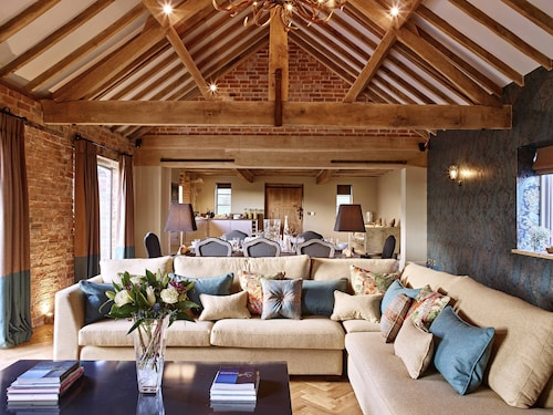 Four Luxury Holiday Barns Which can be Hired Individually or Exclusively