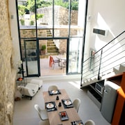 Stylish and Luxurious Loft Like House in the Town of Uzes With a Heated Pool