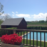 Circa 1820's Farmhouse_gunite Salt Water Pool_gorgeous Sunsets Over the Vineyard