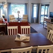 Stunning Penthouse Vacation Rental Sleeps 6! Families/couples Free Golf