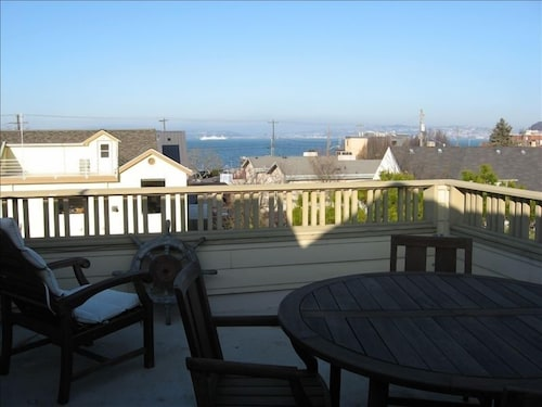 Alki Beach-west Seattle - 3 Bed,3 Baths