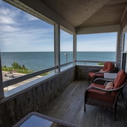 Oceanfront Large A/C Family-friendly Home at Falmouth Heights Beach - Cape Cod
