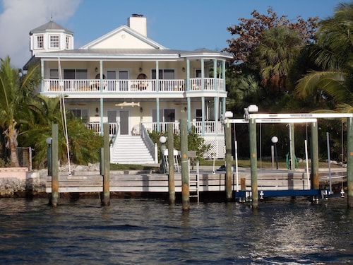 'We Love Key Largo' - 3 Story Oceanfront Home