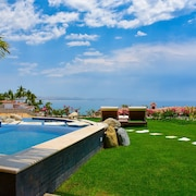 Spectacular 4 Bedroom Oceanfront Villa in Palmilla