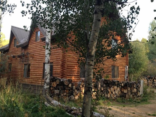 Great Place to stay The Aspen Moose Vacation Cabin near Heber City
