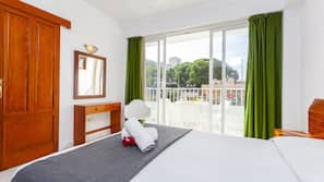 Down duvets, minibar, in-room safe, free WiFi