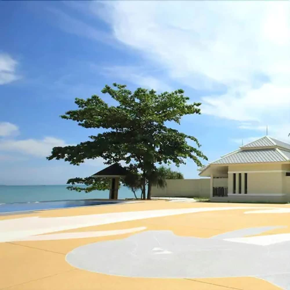 Outdoor Wedding Area, Wis Beach Khanom