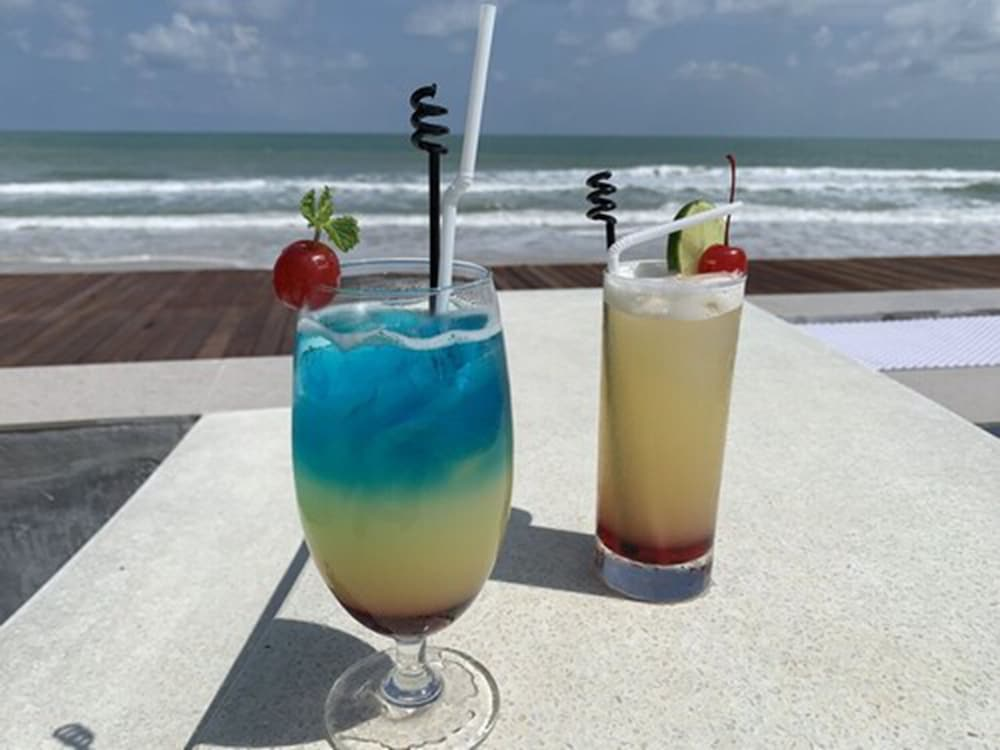Food and Drink, Wis Beach Khanom
