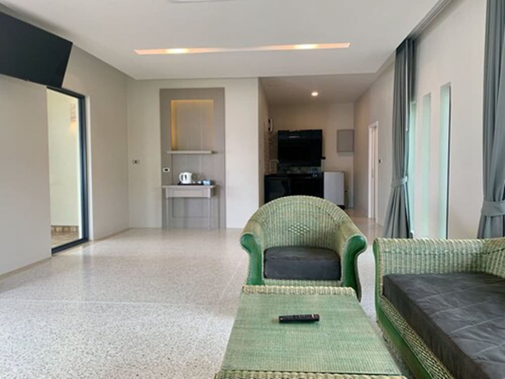 Living Area, Wis Beach Khanom