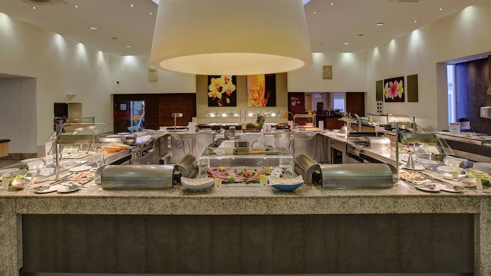 Buffet, TUI MAGIC LIFE Cala Pada - All-Inclusive
