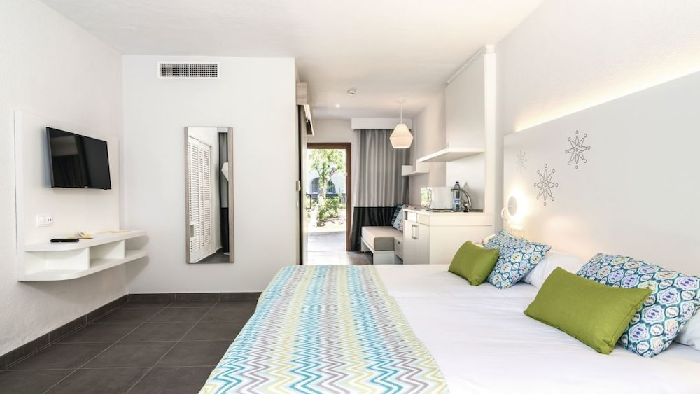 Room, TUI MAGIC LIFE Cala Pada - All-Inclusive