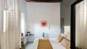 Frette Italian sheets, premium bedding, down duvet, memory foam beds