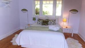 3 bedrooms, iron/ironing board, Internet, linens