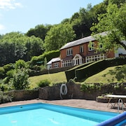 Riversdale Lodge is set in the Heart of Symonds Yat Overlooking the River Wye