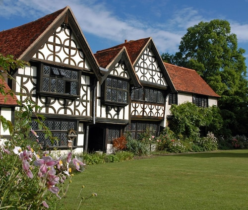 Great Tangley Manor 11th C Manor With Indoor Heated Pool, London Less Than 1 hr