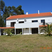 Superior 3 bed Apartment in Remote Location to Relax & Explore Central Portugal