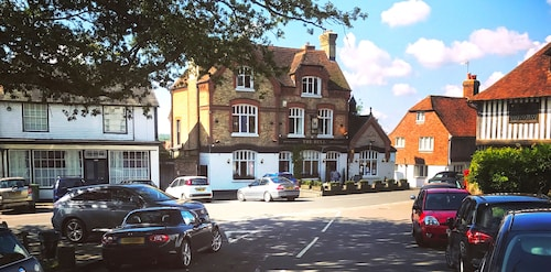 Hire Your own Hotel. Luxury Self-catering Accommodation at The Bull at Brenchley