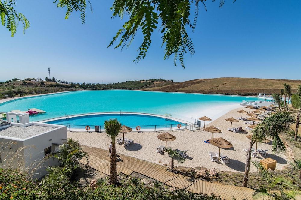 Alcazaba Hills, Crystal Lagoon & Beaches Luxury 3 bed Garden