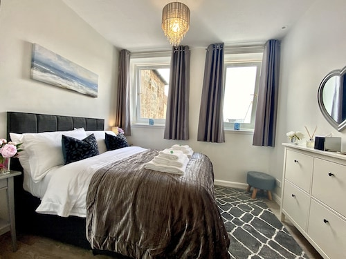 Private Apartment in the Heart of Linlithgow, Close to Edinburgh